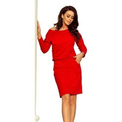 Czerwona Codzienna Zbluzowana Sukienka z Dekoltem na Plecach. Czerwone sukienki damskie Molly.pl, z dresówki, eleganckie, z dekoltem na plecach. Za 128.90 zł.