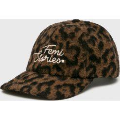 Femi Stories - Czapka Cito. Brązowe czapki i kapelusze damskie Femi Stories, z tkaniny. W wyprzedaży za 129.90 zł.