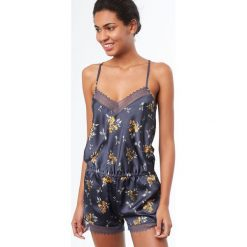 Etam - Kombinezon piżamowy Blueberry. Body damskie marki bonprix. W wyprzedaży za 129.90 zł.