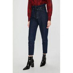 Review - Jeansy. Niebieskie jeansy damskie Review. Za 219.90 zł.