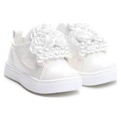 Białe Półbuty I Get To You. Białe półbuty dziewczęce Born2be, z materiału. Za 39.99 zł.