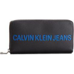 Duży Portfel Damski CALVIN KLEIN JEANS - Sculpted Zip Around K40K400408 001. Czarne portfele damskie Calvin Klein Jeans, z jeansu. W wyprzedaży za 259.00 zł.