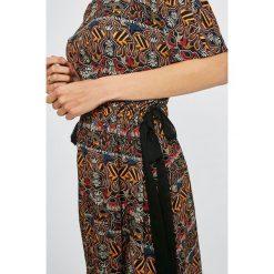 Medicine - Sukienka Cape Town. Sukienki damskie MEDICINE, z tkaniny, casualowe, z okrągłym kołnierzem. W wyprzedaży za 99.90 zł.