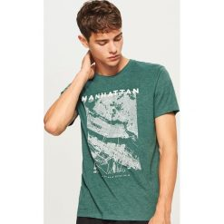 T-shirt z nadrukiem - Zielony. T-shirty męskie marki Giacomo Conti. W wyprzedaży za 29.99 zł.