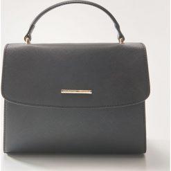 Torebka typu kuferek - Czarny. Czarne torebki do ręki damskie House. Za 59.99 zł.