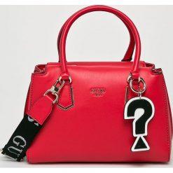 Guess Jeans - Torebka. Czerwone torby na ramię damskie Guess Jeans. Za 629.90 zł.
