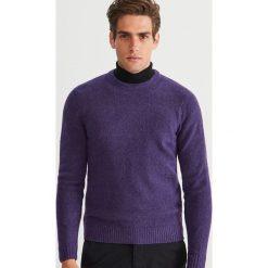 Sweter - Fioletowy. Swetry przez głowę męskie marki Giacomo Conti. W wyprzedaży za 79.99 zł.