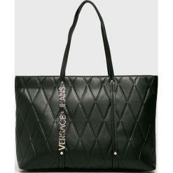Versace Jeans - Torebka. Czarne torby na ramię damskie Versace Jeans, z jeansu. W wyprzedaży za 539.90 zł.