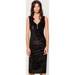 Sukienka midi bez rękawów - Czarny. Czarne sukienki damskie Mohito, bez rękawów. Za 99.99 zł.