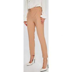 Answear - Spodnie. Szare spodnie materiałowe damskie ANSWEAR, z haftami, z elastanu. W wyprzedaży za 79.90 zł.