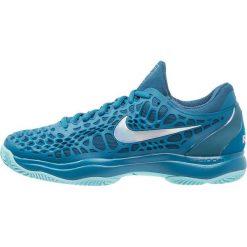 Nike Performance AIR ZOOM CAGE 3 CLY Obuwie do tenisa Outdoor green abyss/metallic silver/blue force. Trekkingi męskie Nike Performance, z gumy, outdoorowe. Za 549.00 zł.