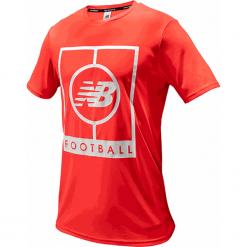 Koszulka treningowa MT833017BRC. Czerwone koszulki sportowe męskie New Balance, z materiału. Za 129.99 zł.