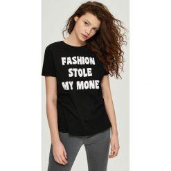 Bawełniany t-shirt z nadrukiem - Czarny. T-shirty damskie marki DOMYOS. W wyprzedaży za 7.99 zł.