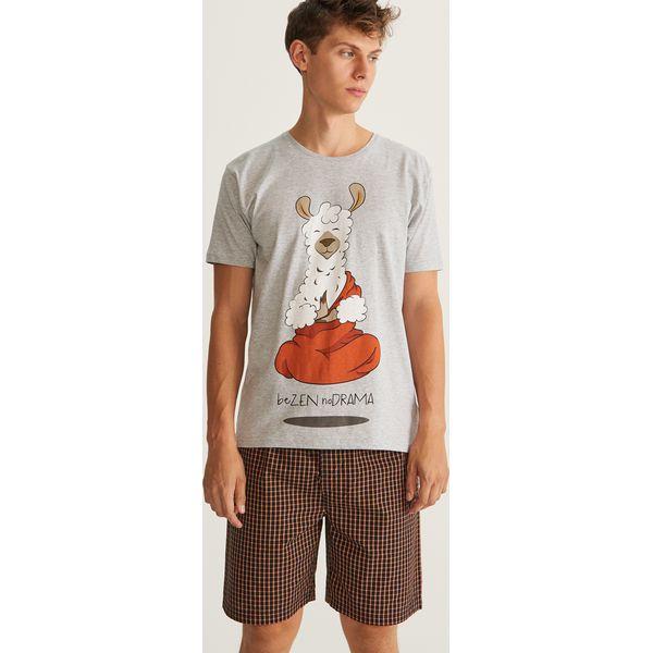 49352ec3e97602 Piżama z szortami - Jasny szar - Piżamy męskie marki Reserved. Za ...