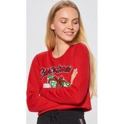 Świąteczna bluza - Czerwony. Czerwone bluzy damskie Cropp. Za 49.99 zł.