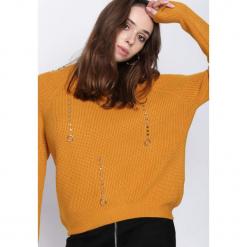 Żółty Sweter Crowded Place. Żółte swetry damskie Born2be, z okrągłym kołnierzem. Za 79.99 zł.