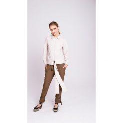 Naoko - Spodnie Rainforest x Edyta Górniak. Szare spodnie materiałowe damskie NAOKO, w paski, z bawełny. W wyprzedaży za 159.90 zł.