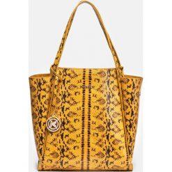 Żółto czarna torebka damska. Czarne torebki do ręki damskie Kazar, ze skóry. Za 849.00 zł.