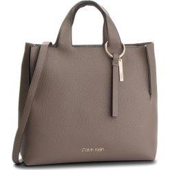 Torebka CALVIN KLEIN - Neat Shopper K60K604597 002. Szare torebki shopper damskie Calvin Klein, ze skóry ekologicznej. Za 849.00 zł.