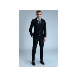 GARNITUR RAVEN. Czarne garnitury męskie Guns&tuxedos. Za 399.99 zł.