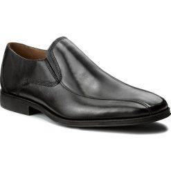 Półbuty CLARKS - Gilman Slip 261297687 Black Leather. Czarne eleganckie półbuty Clarks, z materiału. W wyprzedaży za 259.00 zł.