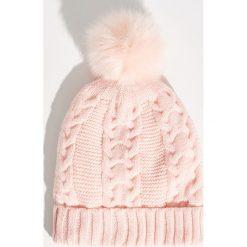 Czapka z puszystym pomponem - Różowy. Czapki i kapelusze damskie marki WED'ZE. W wyprzedaży za 14.99 zł.