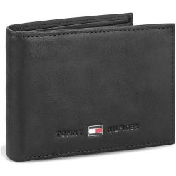 Duży Portfel Męski TOMMY HILFIGER - Johnson Mini Cc Flap And Coin Pocket AM0AM00662/82568 Black 002. Czarne portfele męskie Tommy Hilfiger, z nubiku. Za 249.00 zł.
