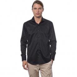 Koszula w kolorze czarnym. Czarne koszule męskie Roberto Cavalli, Trussardi, z klasycznym kołnierzykiem. W wyprzedaży za 212.95 zł.
