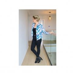 Damska bluza dresowa, z kieszeniami w pastelowe liście, bluza damska we wzory. Szare bluzy damskie Ekoszale, z dresówki. Za 170.00 zł.