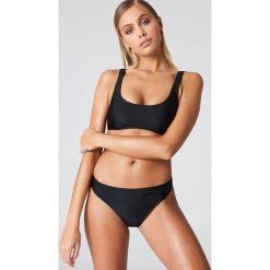 NA-KD Swimwear Sportowy dół bikini - Black. Czarne bikini damskie NA-KD Swimwear. Za 52.95 zł.