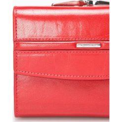 Samsonite - Portfel skórzany. Różowe portfele damskie Samsonite, z materiału. W wyprzedaży za 329.90 zł.