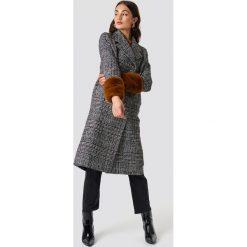 NA-KD Płaszcz w kratkę - Grey. Szare płaszcze damskie NA-KD, w kratkę. Za 364.95 zł.