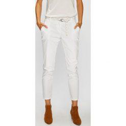 Answear - Spodnie. Szare spodnie materiałowe damskie ANSWEAR, w paski, z bawełny. W wyprzedaży za 79.90 zł.
