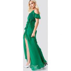 Trendyol Sukienka maxi z falbaną - Green. Sukienki damskie Trendyol, z kopertowym dekoltem. Za 283.95 zł.