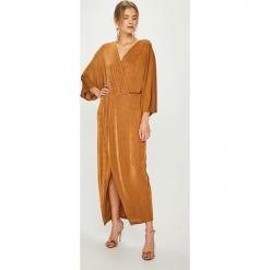 Answear - Sukienka Night Fever. Szare sukienki damskie ANSWEAR, z dzianiny, casualowe. Za 169.90 zł.