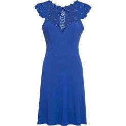 Sukienka z koronką bonprix niebieski. Niebieskie sukienki damskie bonprix, w koronkowe wzory, z koronki. Za 109.99 zł.