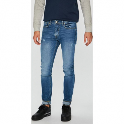 Guess Jeans - Jeansy Chris. Niebieskie jeansy męskie Guess Jeans. Za 399.90 zł.
