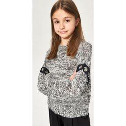 Melanżowy sweter z eyeletami - Czarny. Swetry damskie marki bonprix. W wyprzedaży za 19.99 zł.