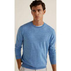 Mango Man - Sweter Willyc. Niebieskie swetry przez głowę męskie Mango Man, z dzianiny, z okrągłym kołnierzem. W wyprzedaży za 139.90 zł.