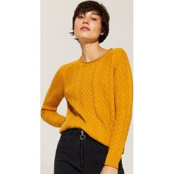 Sweter z warkoczami - Żółty. Swetry damskie marki bonprix. W wyprzedaży za 59.99 zł.
