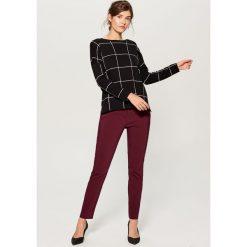 Sweter w kratę - Szary. Szare swetry damskie Mohito. W wyprzedaży za 59.99 zł.