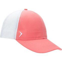 Czapka damska CAD601 - łososiowy - Outhorn. Czerwone czapki i kapelusze damskie Outhorn, z materiału. W wyprzedaży za 29.99 zł.