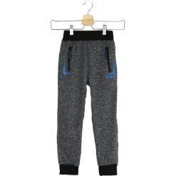 Ciemnoszare Spodnie Dresowe New Light. Szare spodnie sportowe dla chłopców Born2be, z dresówki. Za 24.99 zł.