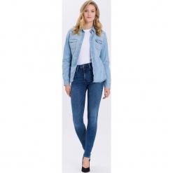"""Dżinsy """"Natalia"""" - Super Skinny fit - w kolorze niebieskim. Niebieskie jeansy damskie Cross Jeans. W wyprzedaży za 113.95 zł."""