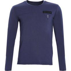 Granatowa Koszulka Wave Me. Niebieskie bluzki z długim rękawem męskie Born2be. Za 34.99 zł.