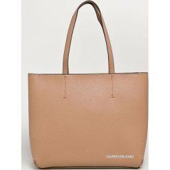 Calvin Klein Jeans - Torebka. Różowe torby na ramię damskie Calvin Klein Jeans. Za 539.90 zł.