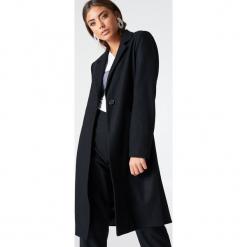 Vanessa Moe x NA-KD Płaszcz - Black. Czarne płaszcze damskie Vanessa Moe x NA-KD. W wyprzedaży za 133.79 zł.