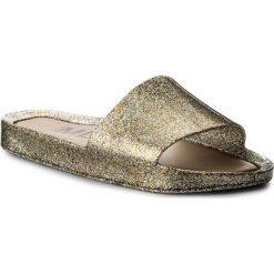 Klapki MELISSA - Beach Slide Shine Ad 32291 Mixed Golden Glitter 03771. Żółte klapki damskie Melissa, z materiału. W wyprzedaży za 189.00 zł.