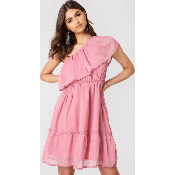 1460c4da5b NA-KD Boho Sukienka z falbanką na jedno ramię - Pink - Sukienki ...