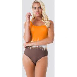 Trendyol Kostium kąpielowy z nadrukiem i odkrytymi plecami - Brown,Orange,Multicolor. Brązowe kostiumy jednoczęściowe damskie Trendyol, z nadrukiem. W wyprzedaży za 48.78 zł.